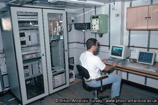 RRS James Clark Ross Predator / Prey cruise JR06.  Computer room