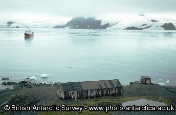 The abandoned base at Admiralty Bay