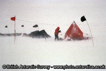 High winds causes problems at a field camp